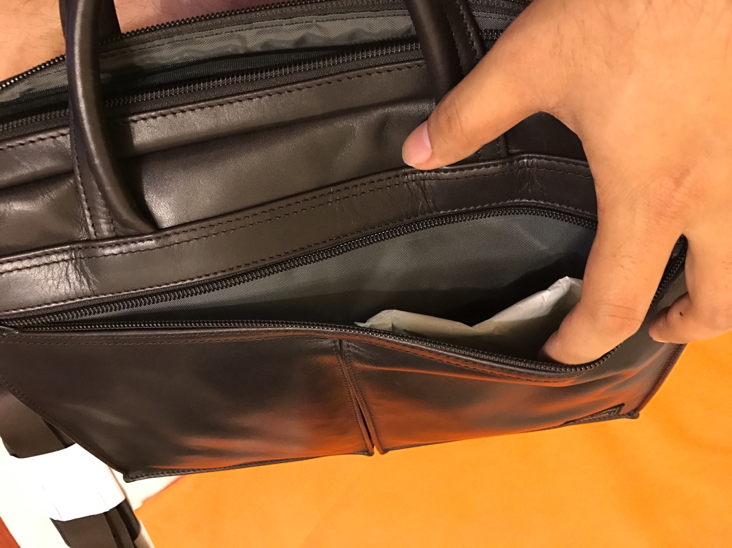 大口袋改用外面拉鍊式