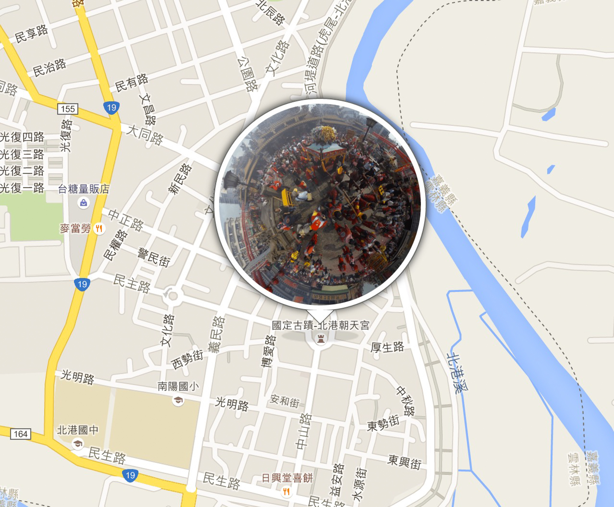 Theta S 本身有 GPS 內建定位功能,所以在上傳時候可以使用 php 去讀取 exif 的經緯度資料,並一起新增於資料庫內,前端輸出再搭配 Google Maps 即可做出此相簿地圖的功能