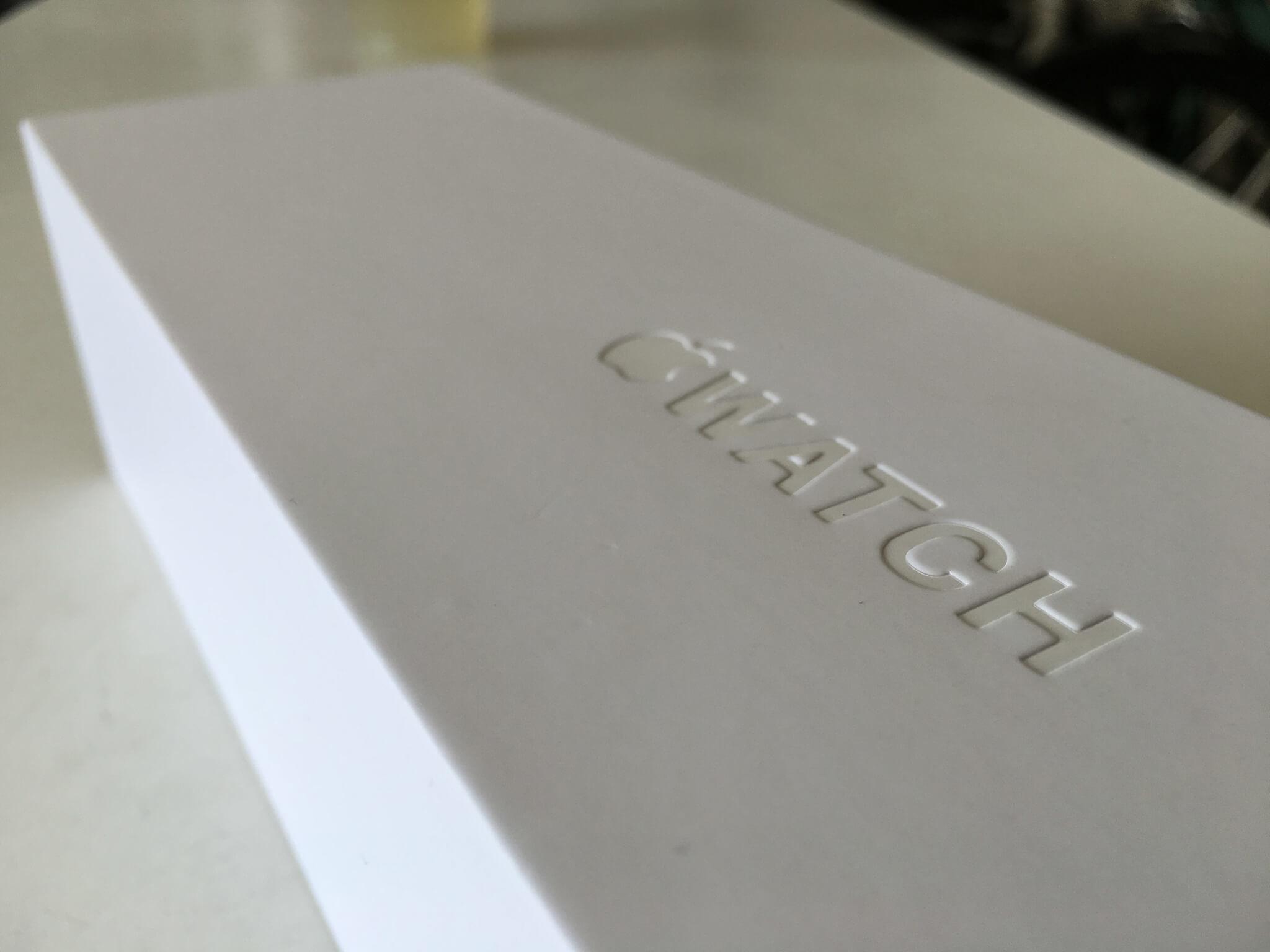包裝盒正上方會有  WATCH 的凹字